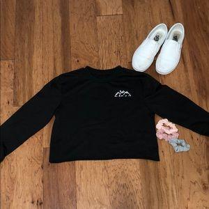 Black Long Sleeve Cropped Top💛